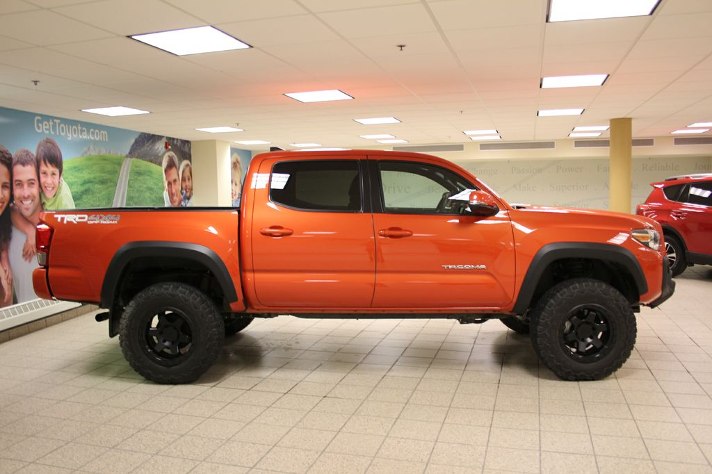 2017 Tacoma Trd Sport Price >> New 2017 Toyota Tacoma 4WD Double Cab V6 Man TRD OFF ROAD ...